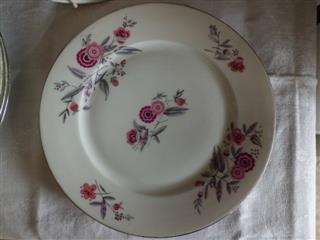 acheter assiettes anciennes en porcelaine art d co ann es folles 1920 30. Black Bedroom Furniture Sets. Home Design Ideas